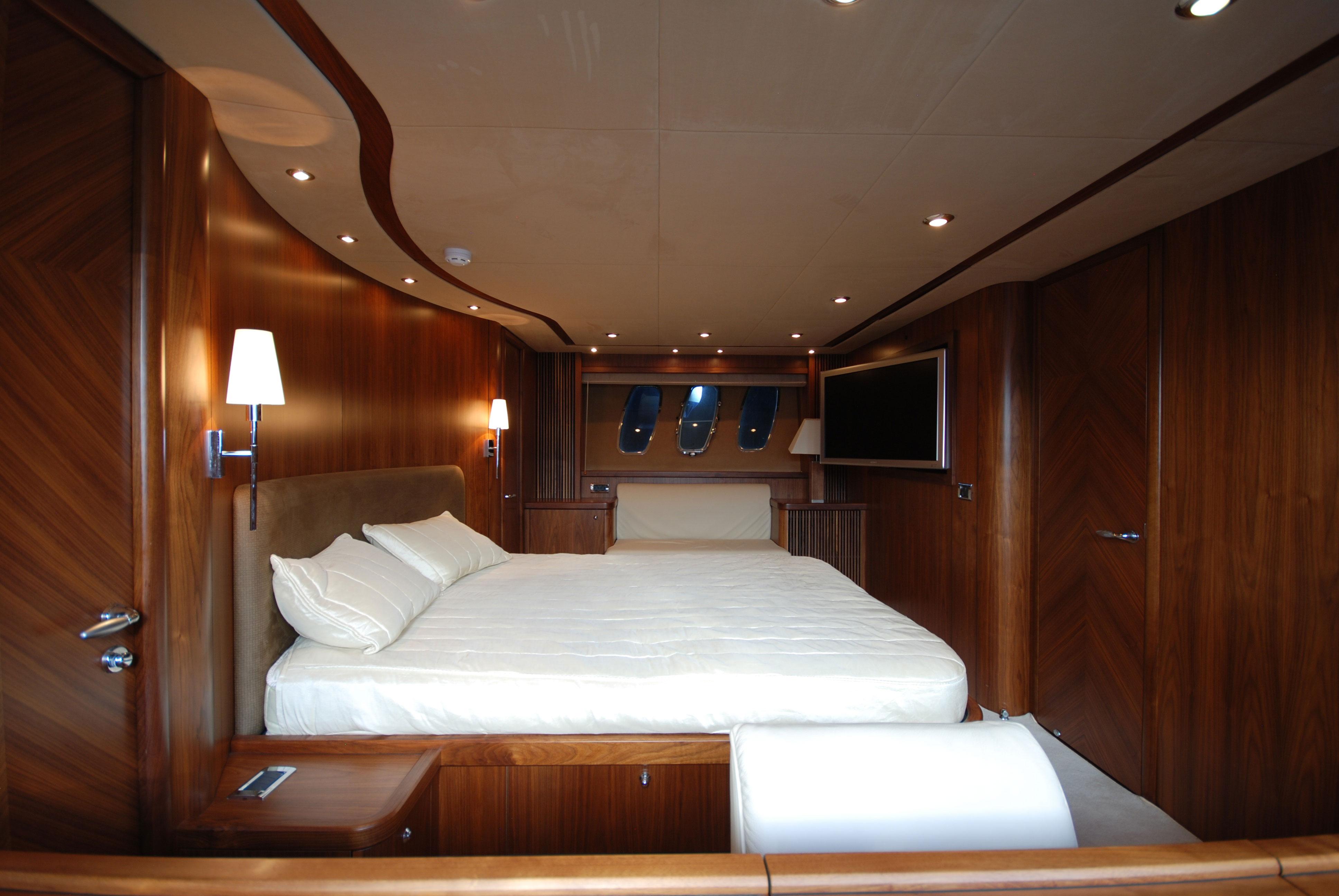 Clarity Yacht Charter Sunseeker Predator 82